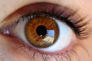 img_como_cuidar_los_ojos_consejos_y_soluciones_21701_300