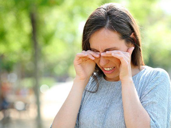 Como el clima puede causar molestias en los ojos
